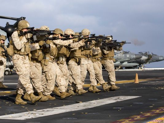 4,000 Marines and Sailors Return from Middle East